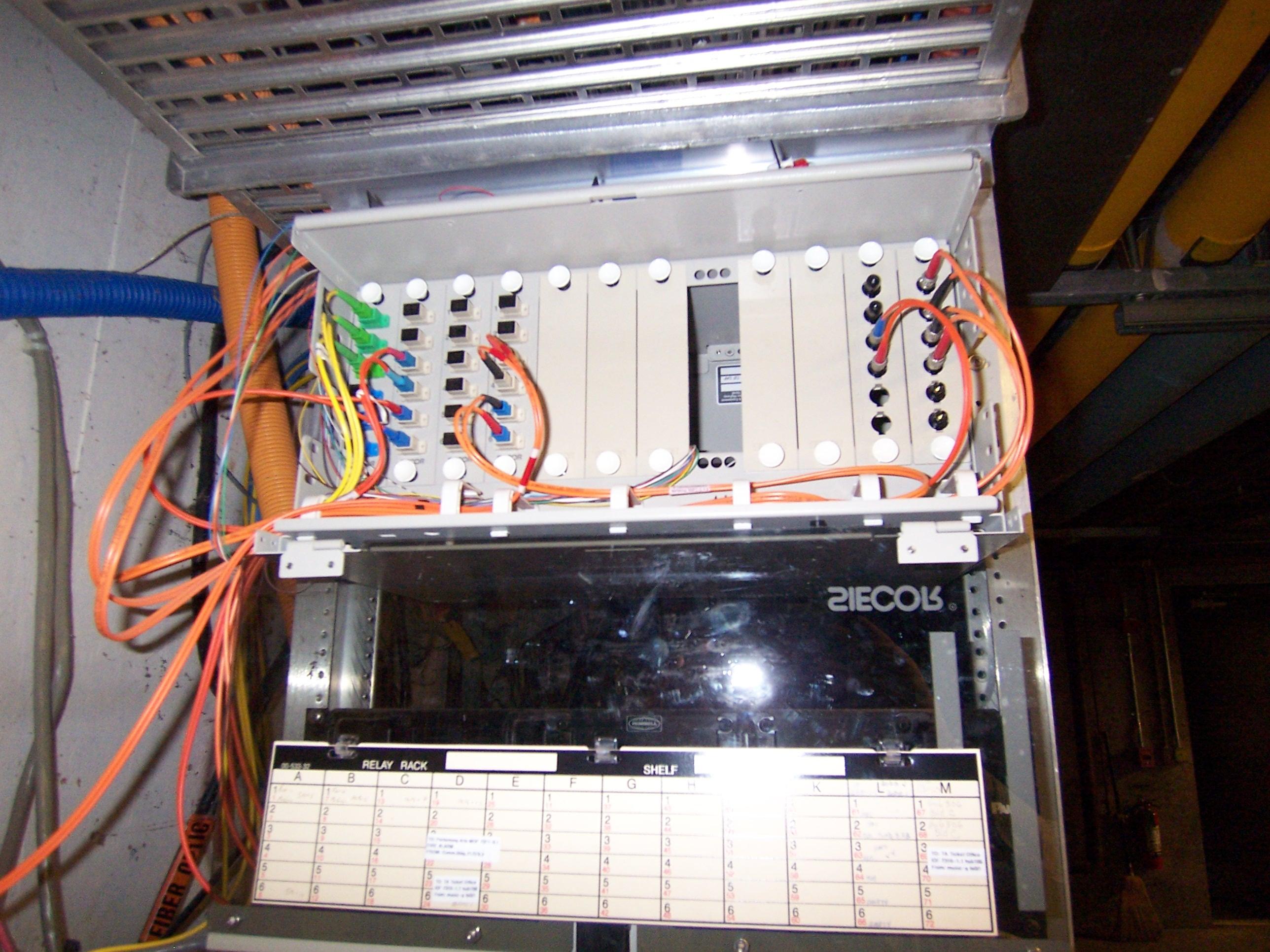 Mainstage-fiber-1.jpg ...